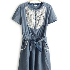 ชุดยีนส์ แฟชั่นเกาหลี ผู้หญิง Lace Dress นำเข้า - พร้อมส่งTJ7095 ราคา750บาท ชุดยีนส์ สำหรับผู้หญิงเป็นแฟชั่นทันสมัย เดรสคอลเล็กชั่นนี้เป็นแบบใหม่มาแรงสุด hot เป็นชุดยีนส์แขนสั้นใส่สบายคอกลม ด้านหน้าช่วงอกแต่งลูกไม้สีขาวดูนุ่มละมุนพริ้วไหว เอวยืดไดเและเก๋ม