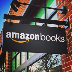 #AmazonBooks has their soft-opening today on the @southportcorridorchicago 📙📘📕📗📚 (southportcorridorchicago) Tags: instagramapp square squareformat iphoneography uploaded:by=instagram mayfair southport southportcorridor chicago wrigleyville lakeview