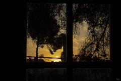 Asómate (PhotoSitas) Tags: ventana anochecer cálida colores sol oscura brillante amarillo naranja calma paz atardecer love peace