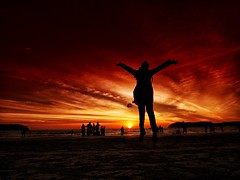 IMG_1790 ~ yihaaaa (alongbc) Tags: silhouettes girl vacation holiday langkawi beach sunset sundown sky orange travel places trip malaysia kedah canon eos eos700d canoneos700d canonlens 10mm18mm wideangle