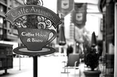 Street - Film Leica (Photo Alan) Tags: blackwhite blackandwhite street streetphotography streetfilm coffee coffeeshop vancouver canada film filmcamera filmscan filmleica filmstreet outdoor leicaiiif leicasummarit5cmf15