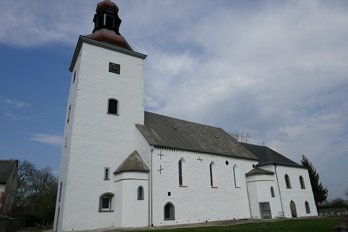 Kościół św. Michała Archanioła w Tyńcu nad Ślęzą od południa