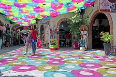 Sálvame 3 (Cosme28) Tags: cosme cosme28 arte de instalacion tlaquepaque salvavidas life savers colores