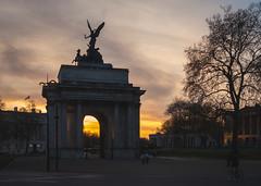 Wellington Arch | Sunset (James_Beard) Tags: wellingtonarch arch hydeparkcorner sunset london londonarchitecture londonlandmarks sonyrx100m3 rx100