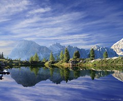 Il treno dei desideri (Gio_guarda_le_Stelle) Tags: dolomiti dolomites dolomiten sky sunset italy landscape reflection limides clouds mountainscape atmosphere quiet lake