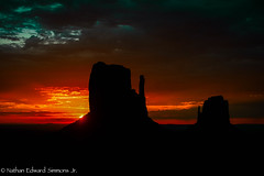 _DSC2605-Edit-Edit-2.jpg (Nathan Edward Simmons Jr.) Tags: monumentvalley utah arizona navajo themittens oljatomonumentvalley unitedstates us