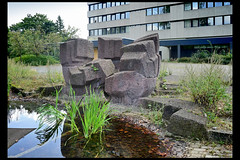 arnhem kunstwerk kantoorgebouw waterleidingmaatschappij 02 1967 sleegers p (arnhemsestraatwg) (Klaas5) Tags: netherlands holland ©picturebyklaasvermaas art kunst kunstwerk artwork sculpture sculptuur postwarart niederlande paysbas nederland publicart outdoor plastiek