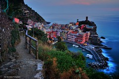trail to vernazza (Rex Montalban Photography) Tags: rexmontalbanphotography vernazza italy europe cinqueterre hdr liguria