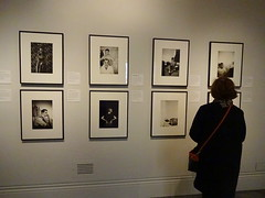 Viewing photographs at the NPG (Snapshooter46) Tags: viewingphotographs nationalportraitgallery npg london woman people framedphotographs