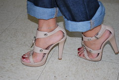 Playfull Chunky Heels (Jaylynn's Best Feeture) Tags: sexy sandals sandalias pies highheels heelfetish toes toering ankles anklet arches jeans jeanshighheels