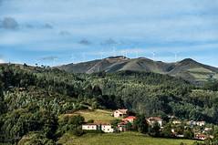 San Martin de Luiña- Cudillero-energía aeólica (Lily Arleo) Tags: españa cudillero paisaje verde green
