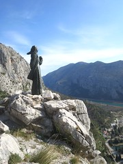 Kip Mile Gojsalić - Statue of Mila Gojsalić (Hirike) Tags: milagojsalić statue kip ivanmeštrović croatia hrvatska omiš gata
