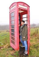 Ti telefono o no?! (illyphoto) Tags: cabina cabinadeltelefono scozia scotland photoilariaprovenzi telefono telefonare telefonata