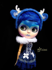Tinta, the blue deer