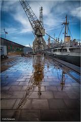 am Hansahafen (geka_photo) Tags: gekaphoto hamburg deutschland spiegelung kran hafen pier hafenmuseum bleichen msbleichen