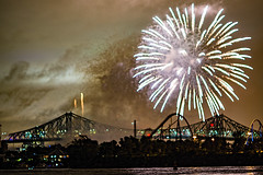C58R3904 (Nick Kozub) Tags: big bang fireworks canada loto quebec international competition 2016 canon eos 1dx ef 85 f12 ii l usm explosive projectile burst water jackson pollock nocturnal night reflection festival la ronde summer the wild west