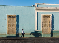Trinidad, Cuba - Street Life (GlobeTrotter 2000) Tags: cuba trinidad old town street sunrise vacation tourism silhouette shadow daily life architecture colonial