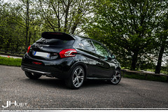 Peugeot 208 GTi (Julien Huet Photography (www.julien-huet.com)) Tags: pictures camera black paris france cars sport photoshop canon photography eos julien raw noir ride mark peak automotive voiture led 94 adobe 200 5d pikes 16 walls gps carbon gti 75 77 rare peugeot talbot 43 voitures exotics 205 lightroom markii pts 208 noire t16 mi16 carporn carbone thp huet cs6 2013 usdm exclu 5d2 5dmk2 xtamyr wwwjulienhuetcom