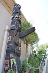 (sarabuchner) Tags: california wood museum nativeamerican totempole phallic secretstaircasewalk
