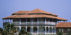 198708 Varadero (Haus 2) (gerhard_hohm) Tags: varadero kuba karibikinsel kolonialhaus