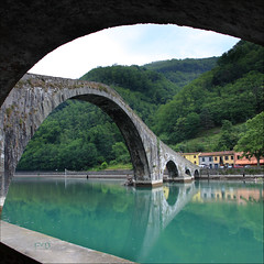 Ponte della Maddalena aka Ponte del Diavolo (Fr@nk = back) Tags: bridge sky italy topf25 water canon river moblog topf50 topf75 europe italia bow tuscany devil toscana topf150 topf100 borgo topf200 pontedeldiavolo devilsbridge borgoamozzano pontedellamaddalena mozzana watmooi mrtungsten62 frankvandongen tusvcan nekstime