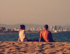 Summer {in the city} (Letizia N.) Tags: barcelona city people tramonto playa puestadelsol