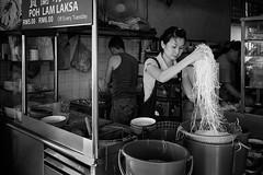 Laksa Rice Noodle (abtabt) Tags: kuching malaysia laksa ricenoodle sarawak d7001835g overseaschinese food lady