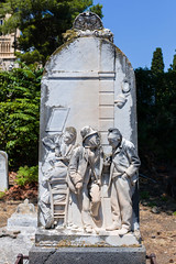 L1000363 (Alessandro Grussu) Tags: leica italien italy friedhof cemetery grave italia tomb sicily grab tomba sicilia messina cimitero m9 grabmal sizilien