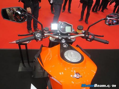 KTM-Tokyo-Motor-Show-2013-05
