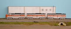 Diesel Unit Consists (Larry the Lens) Tags: interesting pacific favorites views western passenger wp hoscale funit consist