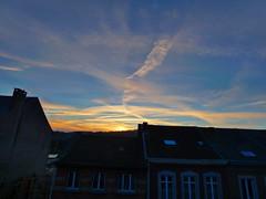 P1020511trav (pascalpiette) Tags: leica city red cloud sol clouds sunrise lumix soleil belgium belgique alba cities down du jour panasonic amanecer aurora wee hours raymond pascal towns huy octave heure lever bleue aurore aube piette dmcfz72 18012014