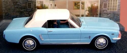 Universal Hobbies Mustang 007 Thunderball