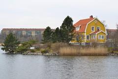 The yellow house (Lo766) Tags: sea house yellow architecture nikon mm 50 karlskrona blekinge odc ourdailychallenge lo766