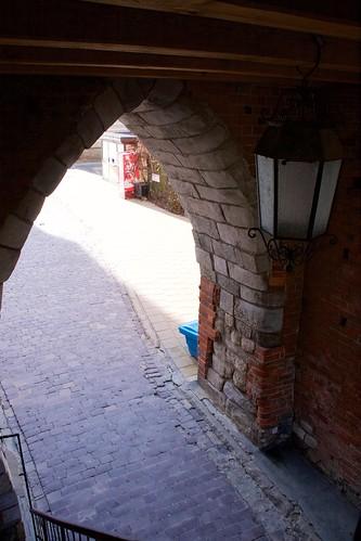 Wewnątrz Bramy Opatowskiej w Sandomierzu