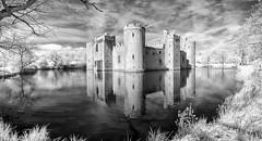 Bodiam Castle - Infrared (Yo Gladman) Tags: nikon infrared castle nationaltrust niksoftware