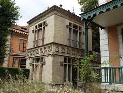 Vichy (Cherryl.B) Tags: vichy allier tourisme empereur napoléon thermes ville maison architecture chalets