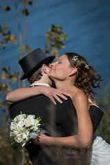 stephane-lemieux-photographe-mariage-montreal-20151003-125.jpg (slemx) Tags: couple hat wedding flower hugging river light