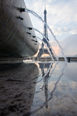 The awakening (David Khutsishvili) Tags: davitkhutsishvili dkhphoto paris france europe eiffel tower nikon d5100 18105mm reflection fountain water morning sunrise fountains early iron