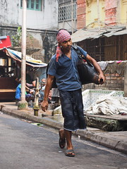 Kolkata - Water transport (sharko333) Tags: travel voyage reise street india indien westbengalen kalkutta kolkata কলকাতা asia asie asien people man water olympus em1