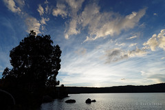 20170301-53-Lake Fanny at sunset (Roger T Wong) Tags: australia greatpinetier lakefanny np nationalpark sel1635z sony1635 sonya7ii sonyalpha7ii sonyfe1635mmf4zaosscarlzeissvariotessart sonyilce7m2 tasmania wha wallsofjerusalem worldheritagearea bushwalk camp clouds hike sunset trektramp walk