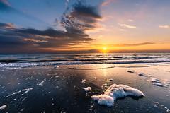 2017-04-29 06.22.01 (Jose.Phan81) Tags: sunrise beach seascape wave