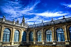 Archivo de Indias y Giralda - Sevilla (mgarciac1965) Tags: archivodeindias sevilla seville giralda andalucía andalucia andalusia españa spain nikond5200 blue azul sky cielo nubes