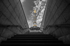 - Victory Column - (Mr. LookUP) Tags: capture blackandwithe blackwhite wideangle berlin germany victory column 2016 unique processed canon 5dmarkiii stairs