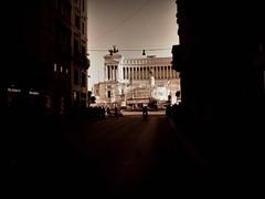 Piazza Venezia (ioriogiovanni10) Tags: altaredellapatria capitale italia rome piazzavenezia città passeggiata canon roma viadelcorso
