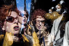 caos-from the series - Spaccanapoli - (michele liberti) Tags: fromtheseriesspaccanapoli streetphotography caos blur streetcolors women face naples napoli italy