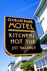 Ocean Park Motel, San Francisco, CA (Robby Virus) Tags: sanfrancisco california sf ca conrad kett streamline moderne ocean park motel kitchens hot tub no vacancy neon sign signage