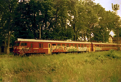 emu32 (nonameless) Tags: emu emv emv32 emu32 elektrik electric train bulgaria nature film photography negative 35mm