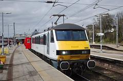 90006 Norwich 05/04/2017 (Flash_3939) Tags: 90006 rogerford 82103 class90 electric locomotive aga abelliogreateranglia norwich nrw station 1p35 angliaplus rail railway train uk april 2017