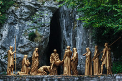 Via Crucis XIV - Jesus is Laid in the Tomb (Lawrence OP) Tags: stationsofthecross lourdes viacrucis entombment death sepulchre