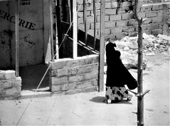Burka Road (Ansanshi) Tags: intégrisme streetphoto senegal dakar burka ansanshi islam niqab khimar hijab